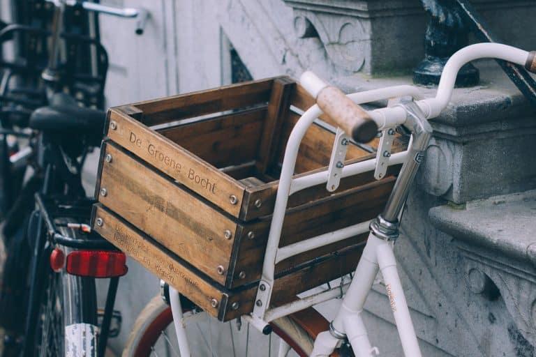 Fahrrad mit Einkaufskiste