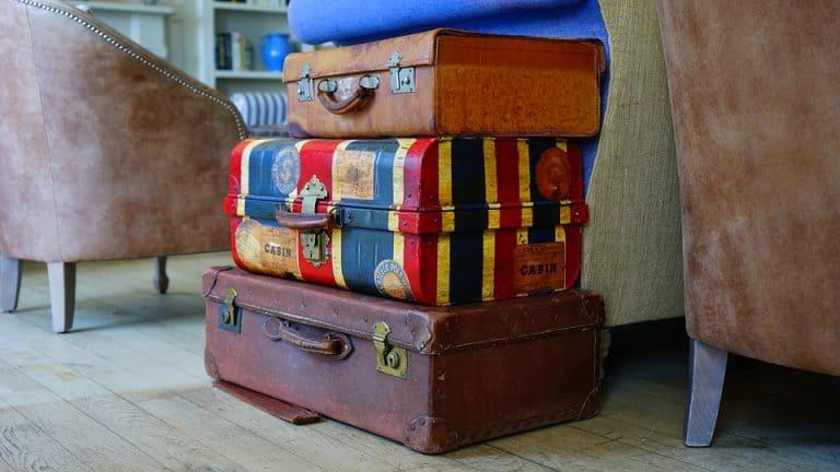 Mehrere Koffer gestapelt