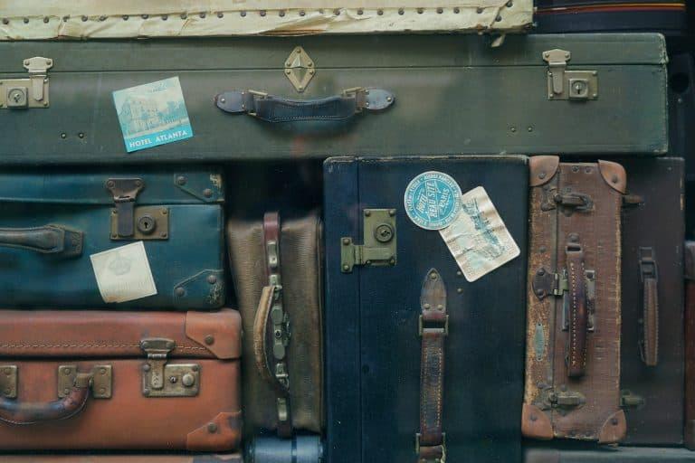 Mehrere Koffer zusammengestapelt