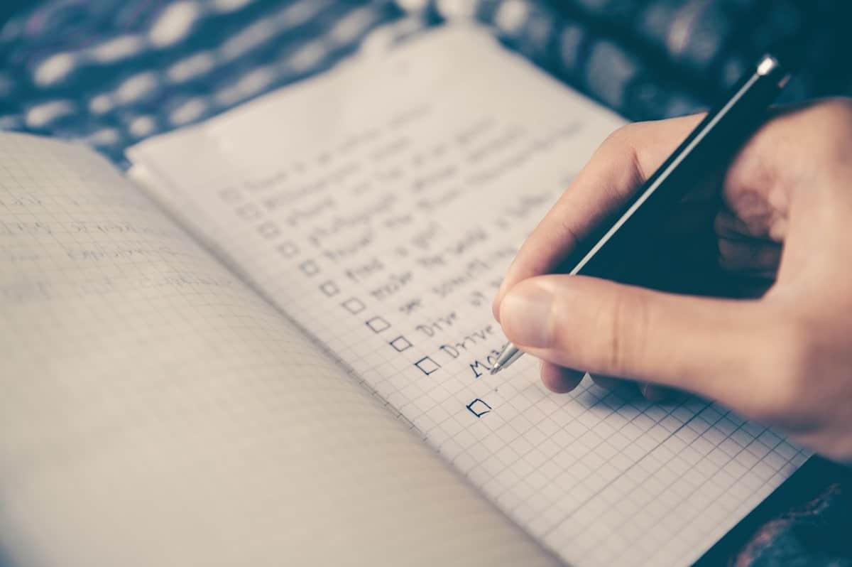 Die ultimative Packliste: Vorlagen und Tipps