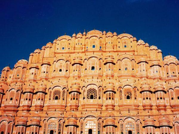 Hawa Mahal Palast in der Hauptstadt Jaipur. (Bildquelle: pixabay.com / Sharon Ang)