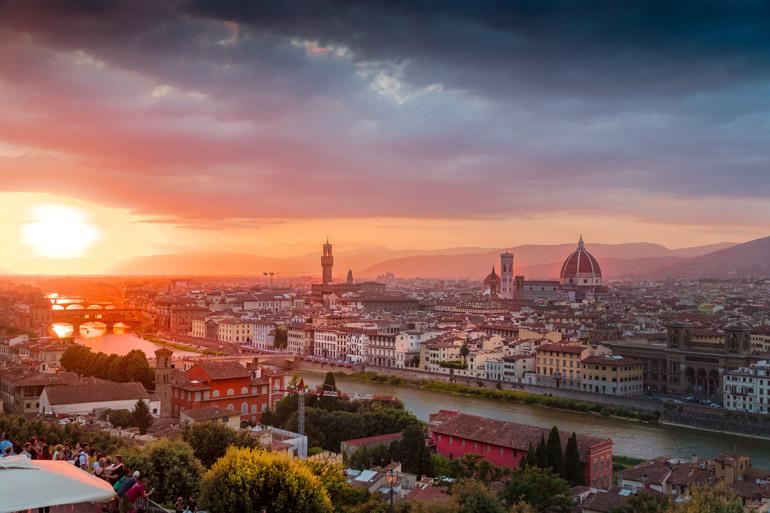 Sprachreise Italien: Empfehlungen & Vergleich (09/21)